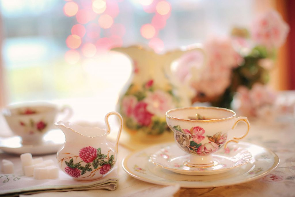 tea-party-vintage-teacups-and-crockery-hire-north-london